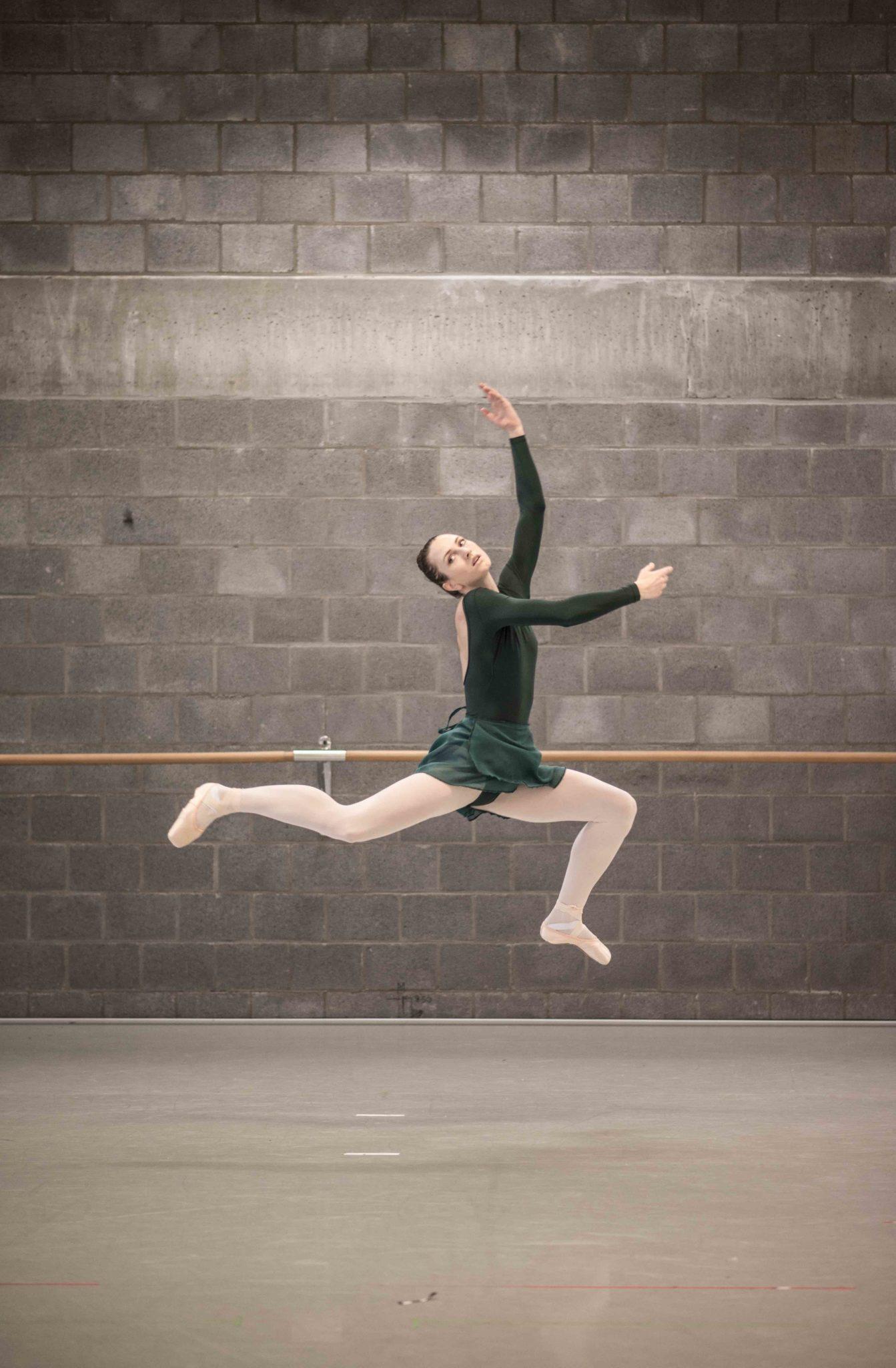 J'ai rencontré Biscuit Ballerina  Attention: Danseuse drôle au grand coeur!