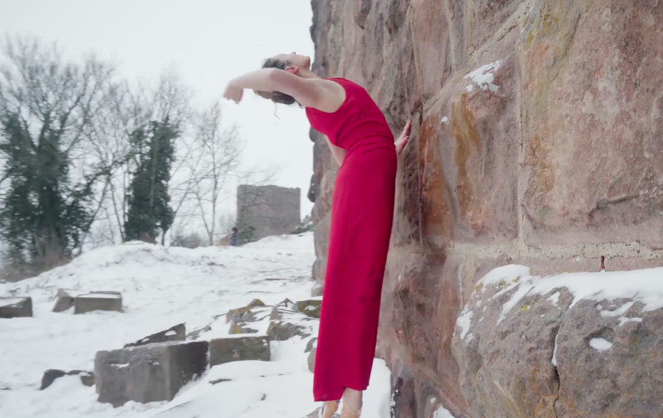 """Ma vidéo """"hors saison"""": une folie glaciale  ou Pourquoi et comment j'ai dansé sur pointes dans la neige,"""